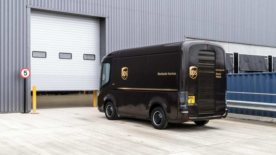 Det UK baserte oppstartsselskapet Arrival skal begynne leveransen av 10.000 elektriske varebiler allerede i år.