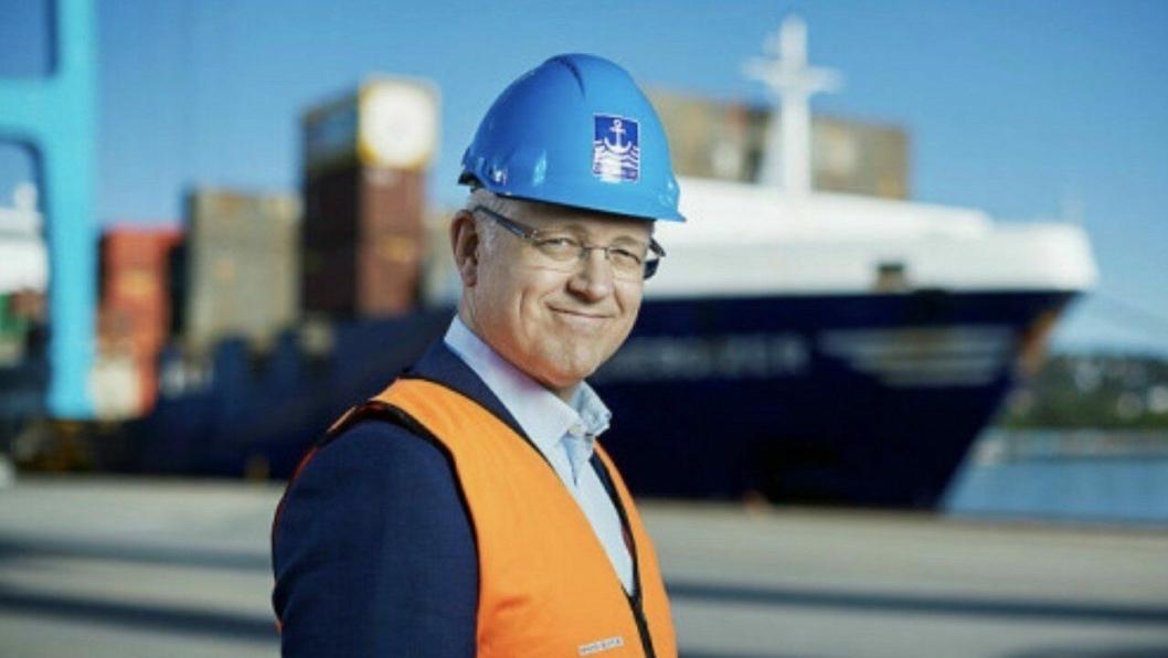 Tilbyr støtte til en grønnere havn. Styreleder Roger Schjerva ønsker flere miljøtiltak hos havnas aktører velkommen. Foto: Bård Gudim