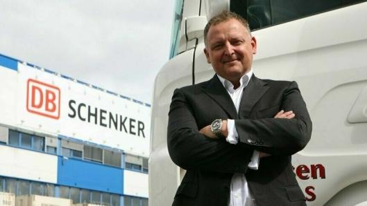 Salgs- og markedsdirektør Peter Stangeland i Schenker AS er ved godt mot i en verden i korona-krise. Foto: Per Dagfinn Wolden