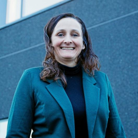TOK SJANSEN: Annette Annfinsen sa opp en trygg jobb for å grunnlegge en robotbedrift. Foto: Øyvind Ludt