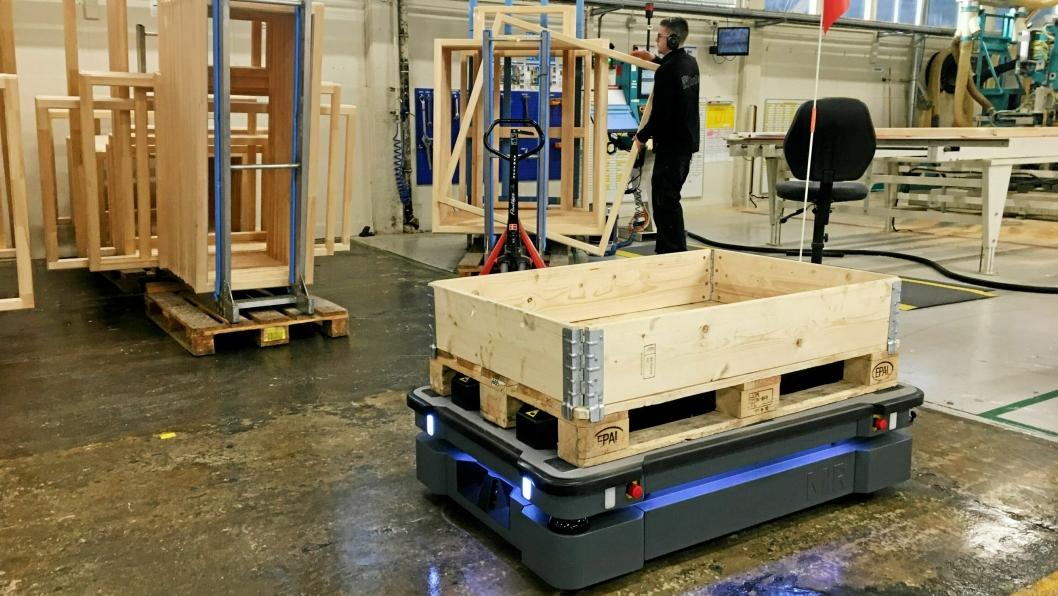 Robotic Innovation har en robot i drift i produksjonen til NorDan på fabrikken i Moi i Rogaland.