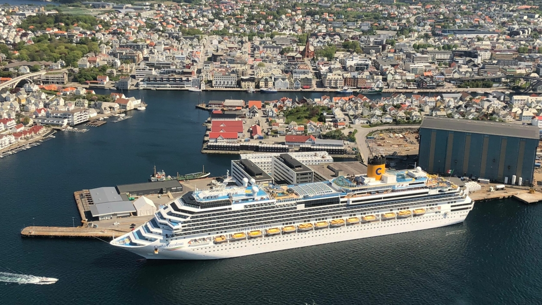 """Cruiseskipet """"Costa Favlosa"""" til kai på Garpeskjær, Haugesund. Fotograf Vigleik Dueland/Karmsund Havn."""