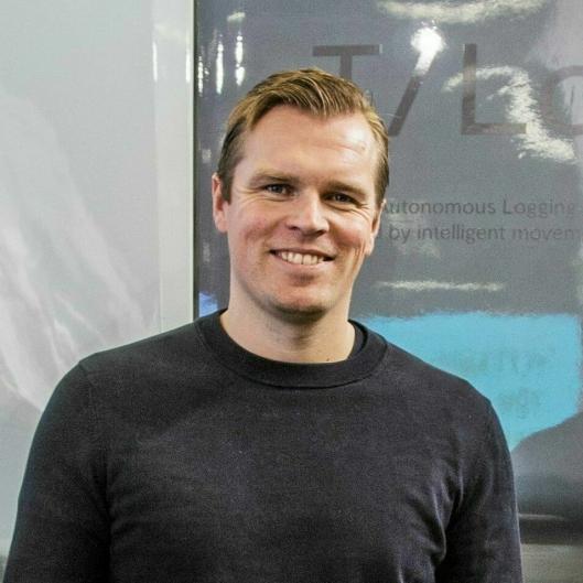 Einrides CEO og grunnlegger Robert Falck understreker både kostnadseffektivitet og null utslipp som fordeler med Einrides system.