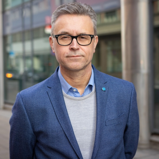 Fiskeri- og sjømatminister Odd Emil Ingebrigtsen viser ingen tegn til nåde overfor Norwegian Gannet.