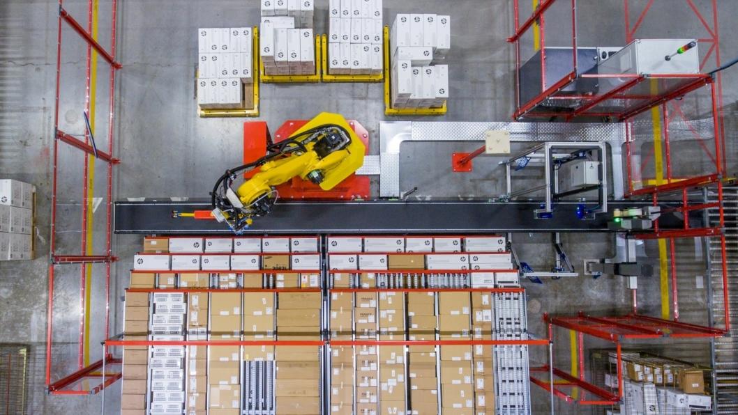 Nederlandske Robomotive har levert robotiserte plukkløsninger siden 2011, blant annet til DHL i Nederland.