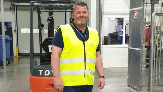 Utfordringene står i kø for adm. direktør i Oslo Seafood & Cargo Center AS (OSCC), Roy Egil Skredderberget. Solid erfaring fra bransjen er imidlertid en god ballast. Foruten over 21 års erfaring i ledende stillinger i DB Schenker, blant annet som salgsdirektør, har han også vært leder av fraktavdelingen i Bråthens Safe.