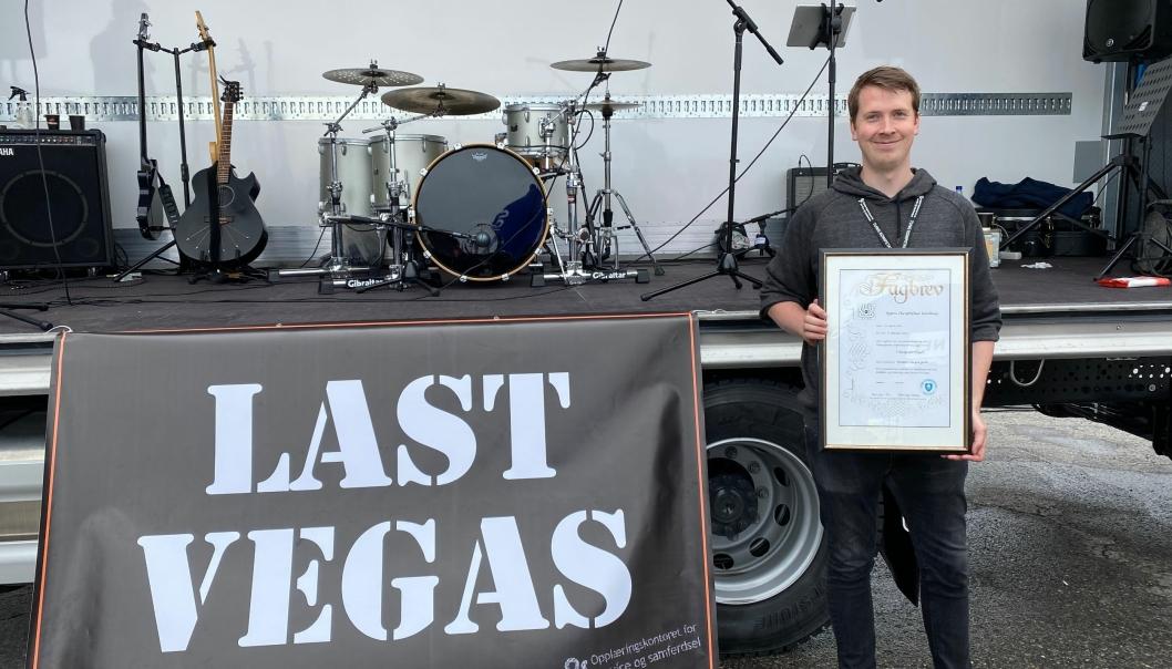 Bjørn Christopher Nordnes er som tredje generasjons yrkessjåfør på full fart inn i transport- og logistikkbransjen. På Last Vegas fikk han fagbrevet.