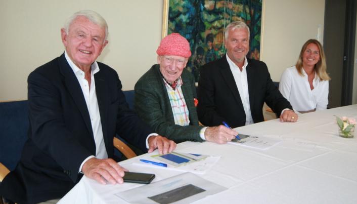 Egil Stenshagen, Olav Thon, Pål Oord og Annette Hofgaard.