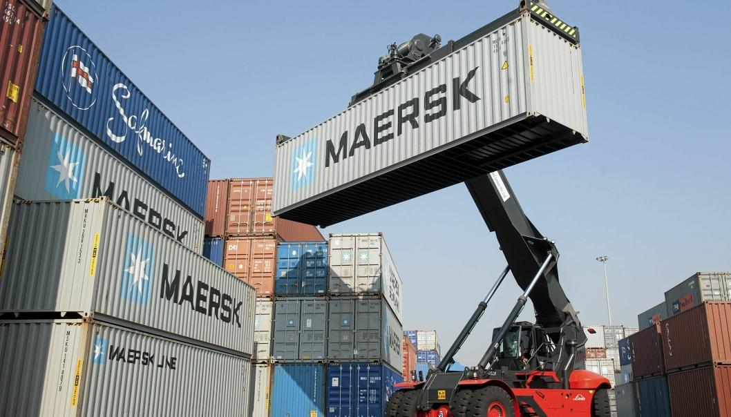 Den danske shippingkjempen A.P. Møller-Mærsk har kjøpt KGH Customs Services for 2,6 milliarder svenske kroner.