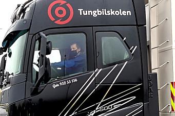 Ser du hvem som kjører lastebilen?