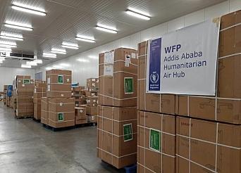 Lagring av nød-proviant på Addis Ababas International Airport.1