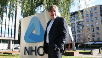 TØIs styreleder, Ole A. Hagen, var tirsdag i forskningsparken og lanserte den nye lederen for Transportøkonomisk institutt. Selv er Hagen på vei inn til NHO-familien som direktør for næringspolitikk i NHO Logistikk og Transport. Foto: Per Dagfinn Wolden