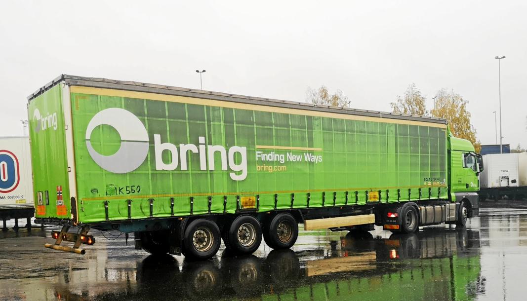 Bring Trucking, som eies av Posten Norge, har hovedkontor i Slovakia, men kjører mest i Vest-Europa og Norden. Her en østeuropeisk Bring-bil på Alnabru.