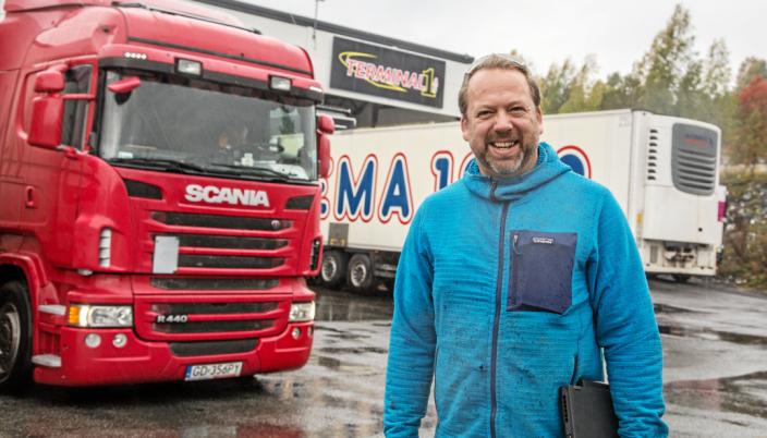 MIDT I SMØRØYET: Terminalen på Berger ligger gunstig til både med tanke på flyfrakt og videre transport ut i Europa, forteller Pål Marius Skipperud.
