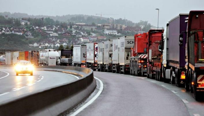 Næringstransportene vil øke med 50 prosent fram mot 2030. Det gir en vekst på 270 millioner tonn, eller 50.000 flere lastebiler på veiene daglig.