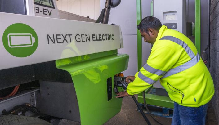 Med hurtiglader på opptil 150 kWh kan terminaltraktoren fullades på én time.