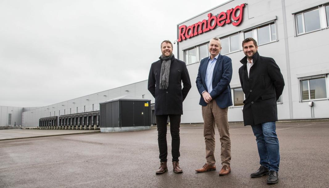 INNFLYTTERE: Produktleder Trond Bræin (fra venstre), administrerende direktør Terje Claussen og salgssjef Thomas Lindland gleder seg over helt nye muligheter med nye og større lokaler.