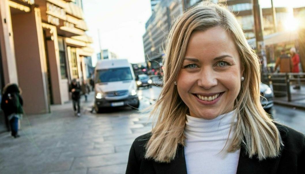 Maiken Therese Kallesen, salgssjef i Apport Systems, inviterer til webinar.
