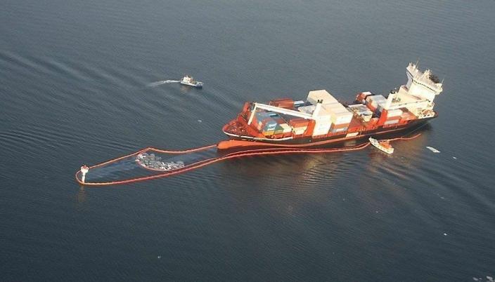 I 2011 grunnstøtte MV Godafoss i innseilingen til Borg Havn, og opptil 112 kubikkmeter olje fra skipet lekket ut. Mudring i farleden vil redusere faren for slike ulykker.