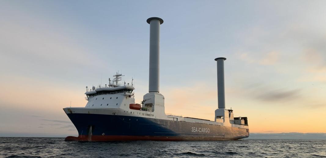 SC Connector har fått påmontert to rotorseil, som kan spare 25 prosent av drivstoffutgiftene.