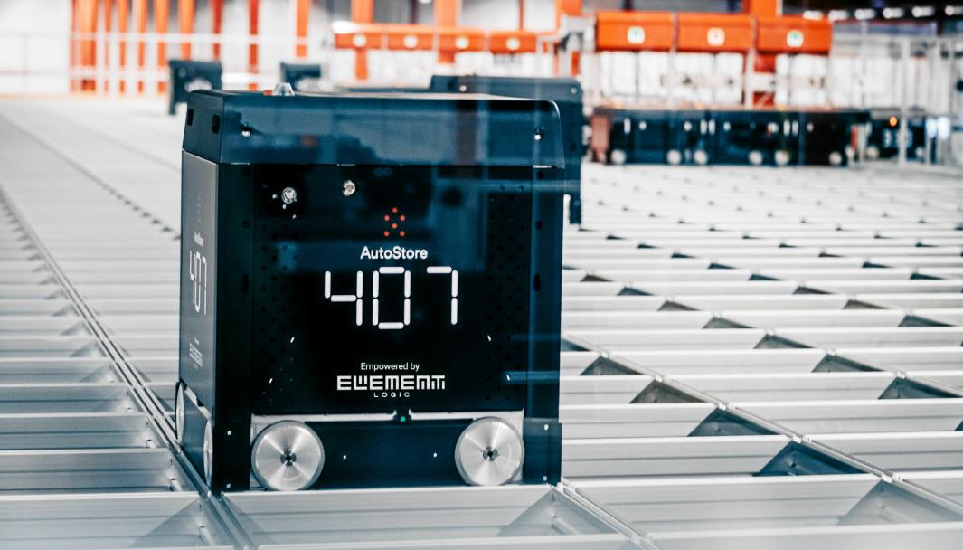 Black Line er AutoStores mest effektive robot. Her fra Boozt sitt lager i Ängeholm.