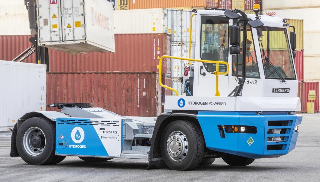 Terberg den nye hydrogen-drevne terminaltraktor YT203-H2