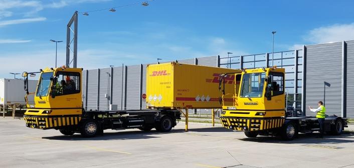 Elektriske Terberg BC EV er et kinderegg med tre innebygde transportformer, vekselflak til containere, svingskive til løstrailere og tilhengerfeste til vanlige lastebilhengere.