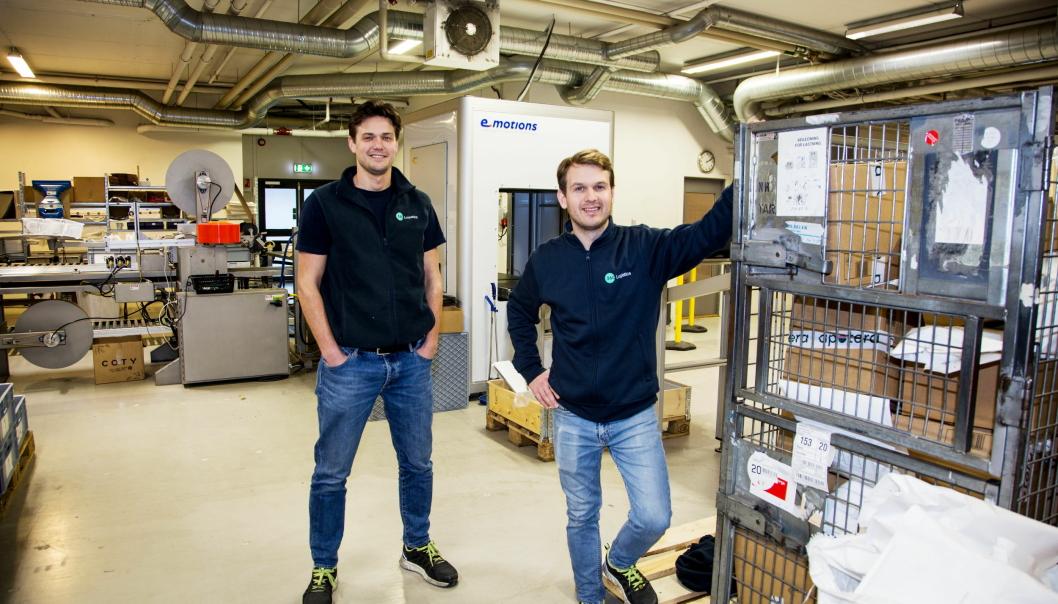 SUKSESS: Gustav Jebsen (til venstre) og Bjørn Staavi etablerte 360 Logistics for drøyt to år siden. Nå leverer de lynraske hjemleveringer i samarbeid med Porterbuddy.