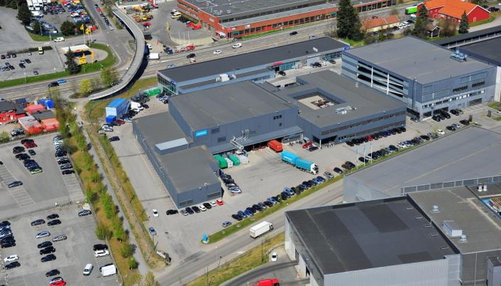 SENTRALT: Bygget der 360 Logistics skal samlokalisere med Porterbuddy, er de tidligere lokalene til PostNord i Haraldrudveien.