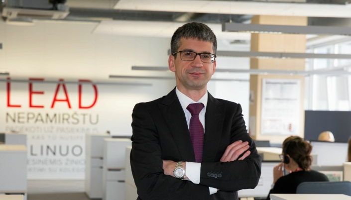 Når Edvardas Liachovičius, administrerende direktør i Girteka Logistics, handler lastebiler, er antallet firesifret.