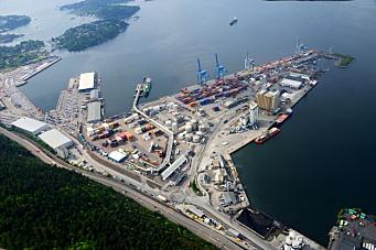- Realistisk med containere på tog fra Sjursøya til Alnabru