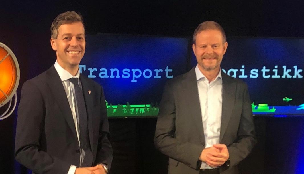 Samferdselsminister Knut Arild Hareide (til venstre) og administrerende direktør i NHO Logistikk og Transport, Are Kjensli.