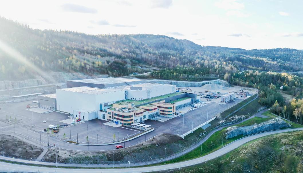 SNART KLART: Askos nye lager i Hanekleiva Næringspark nærmer seg ferdig. Etter planen skal de første varene leveres herfra til butikk til høsten.