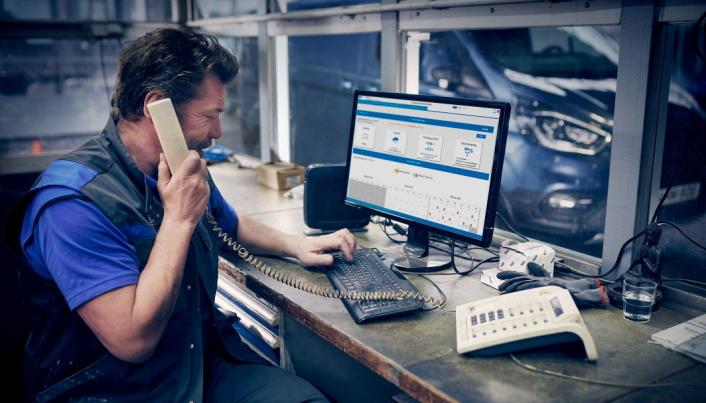 Liive: FordLiive sentrene vil med hjelp av egne hotline-tjenester kunne bistå Ford Transit-sentrene med kunnskap for å få kjøretøyene raskt på veien igjen.