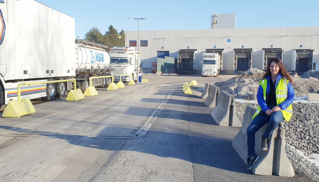 Logistikkleder Lene Hammeren har ansvaret for lager, distribusjon og transport i Mapei Norge
