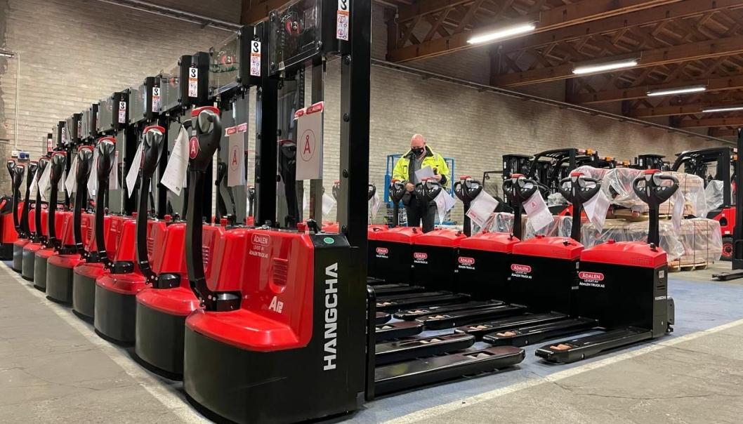 STORT VOLUM: Med 120 trucker lever til kunder i mars, har Ådalen Truck satt ny rekord for én måned.