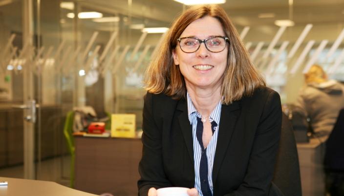 GLEDELIG: Grete Johanne Koht Astad i Tollkonsult AS gleder seg over interessen for tollfaget.