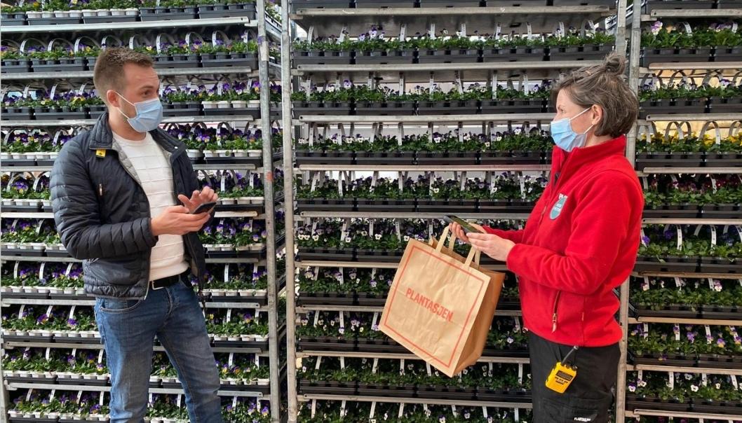 Med den nye løsningen, levert av Lexit Group, slipper kunder å stå i kassekø hos Plantasjen.