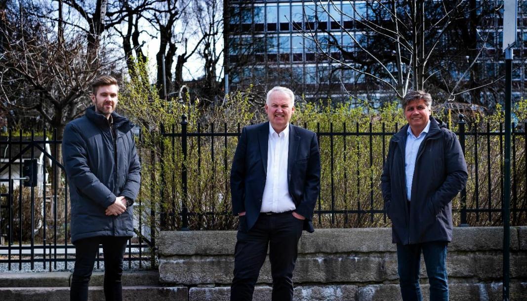 Bilde fra venstre: Lettbutikk-gründer Kim Kåsene, investor Jens Rugseth og ny styreleder Tom Hauge. .
