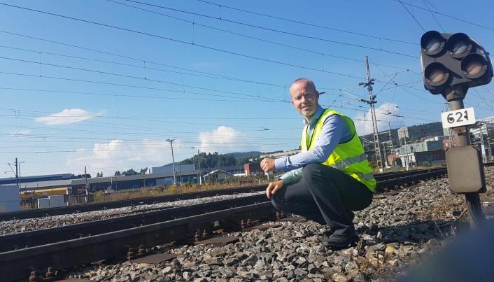 STÅR BAK: Etter et års planlegging er Henning Aandal i Onrail glad for å komme i gang.