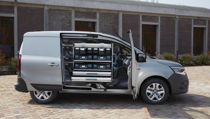 SESAM LUKK DEG OPP: Den nye sideåpningen som går både på for- og sidedør uten en B-stolpe i bilen byr på nye og spennende innrednings-løsninger.