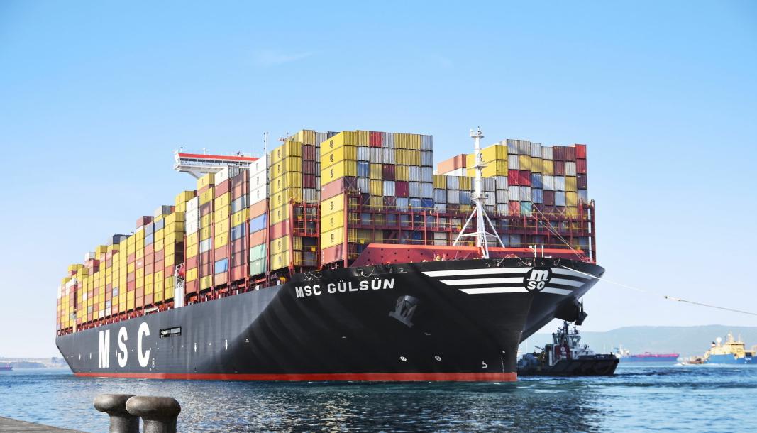 ROMSLIG: MSC har satset sterkt på de virkelig store containerskipene, de såkalte Ultra Large Container Vessels. Her selskapets største, MSC Gülsün med en kapasitet på 23,756 TEU.