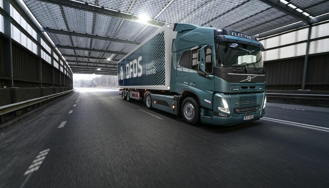 En Volvo FM Electric skal opereres av DFDS og forsyne Volvos fabrikk ved Göteborg med reservedeler.