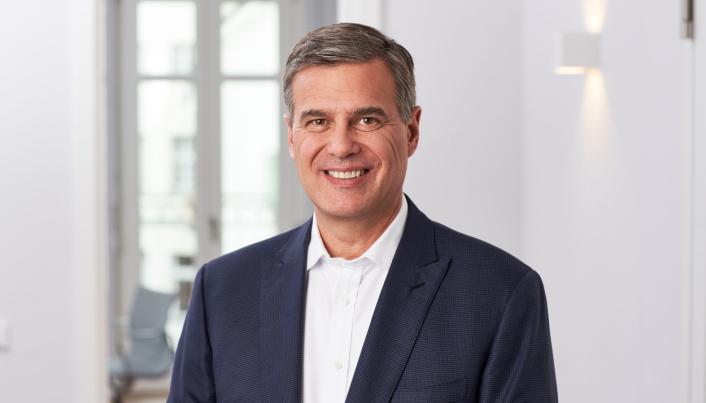 Partner i Castik Capital, Michael Phillips forteller at selskapet vil legge til rette for at Element Logic skal vokse videre.
