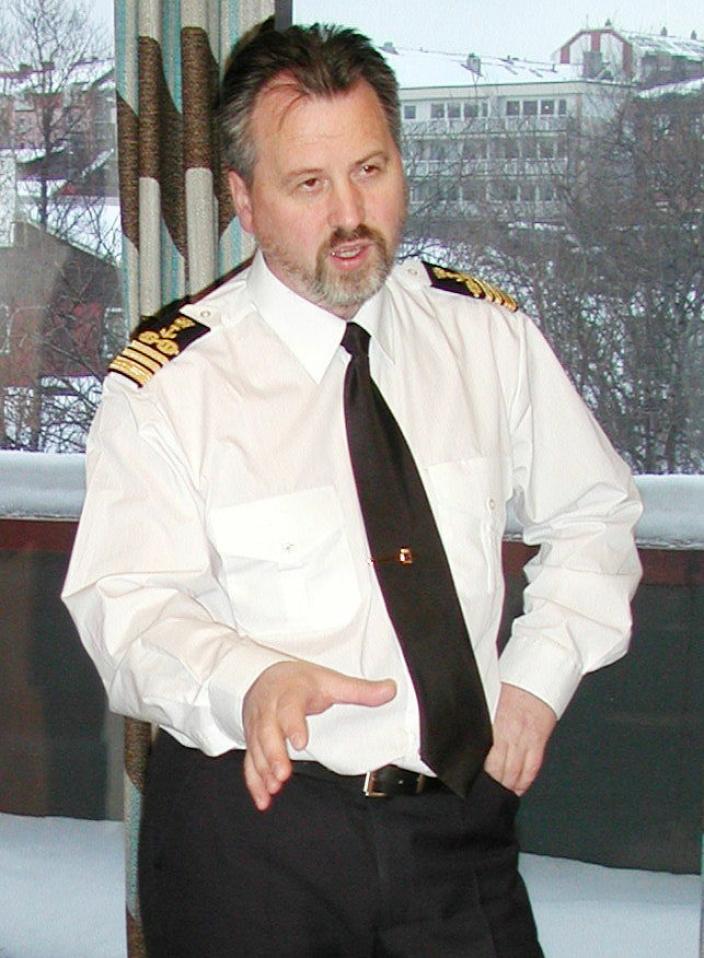 DEN GANG DA: Rune Arnøy som relativ fersk havnedirektør i 2002.