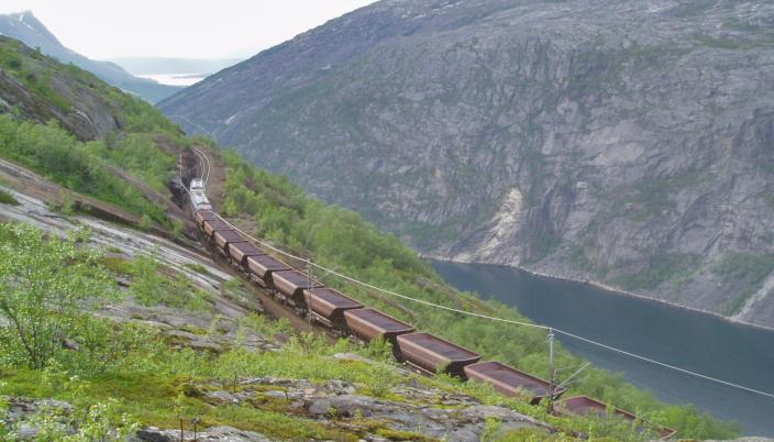 STORE VOLUM: Malmtransporten på Ofotbanen er Narviks viktigste «åre», men Rune Arnøy har vært bevisst på å ikke hvile for mye på én aktør.