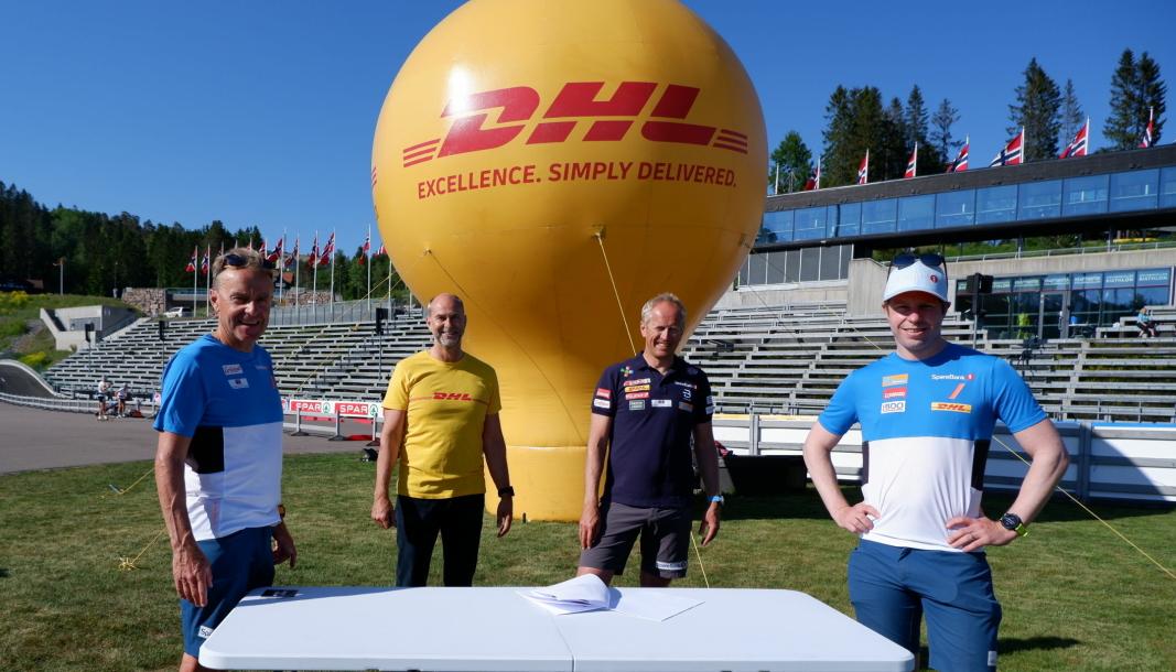 DHL støtter norsk herrelangrenn. Fra venstre: Arild Monsen (landslagstrener Menn Elite Sprint), Terje Aarbog (adm. direktør DHL Express), Espen Bjervig (langrennssjef) og Eirik Myhr Nossum (landslagstrener Menn Elite)