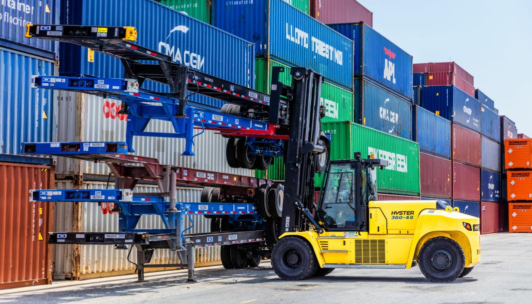 Hyster er en stor truckprodusent med over 140 ulike modeller, her den nye 18 tonns stortrucken J10-18XD med litium-batterier.