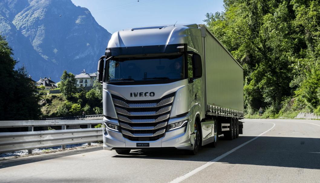 UTVENDIG: Iveco S-Way har fått nye deksler som forbedrer luftflyten rundt førerhuset.