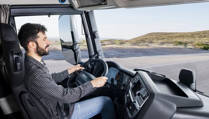 EN VENN: Ved hjelp av Alexa og det nye sjåførsamfunnet kan føreren kommunisere med andre sjåfører i nærheten eller langs ruten.